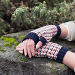 FOXY FINGERLESS MITTS